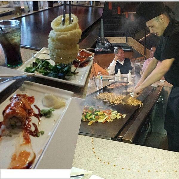 6/7/2013 tarihinde J A.ziyaretçi tarafından Desaki Japanese Restaurant'de çekilen fotoğraf