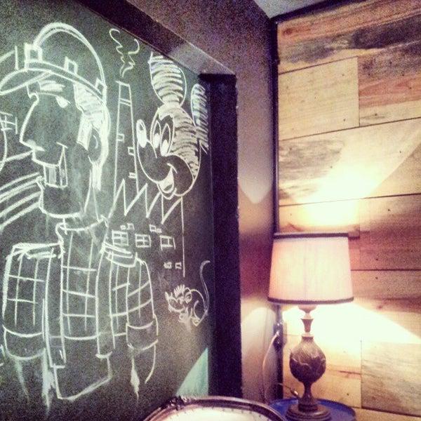 10/19/2012 tarihinde Lílli S.ziyaretçi tarafından Factory Coffee Bar'de çekilen fotoğraf