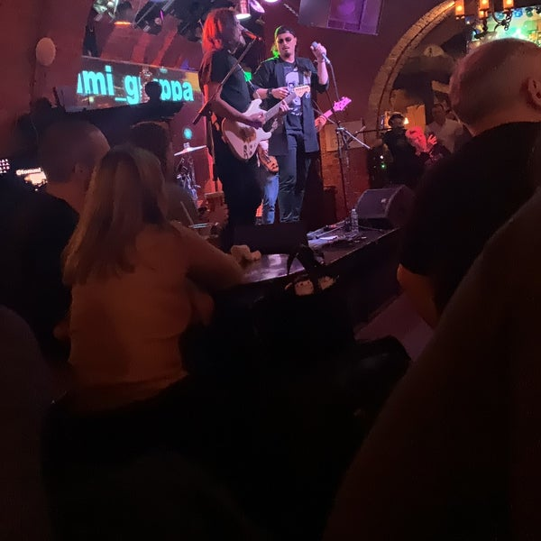 Foto tomada en Tap&Barrel Pub por Husameddin K. el 11/9/2019
