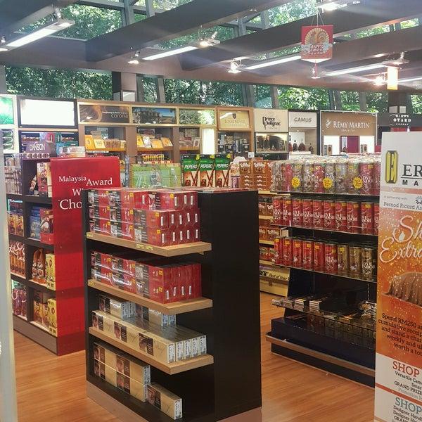 Photos at ERAMAN Malaysia Duty Free Retail Shoping Mall - Duty-free Shop