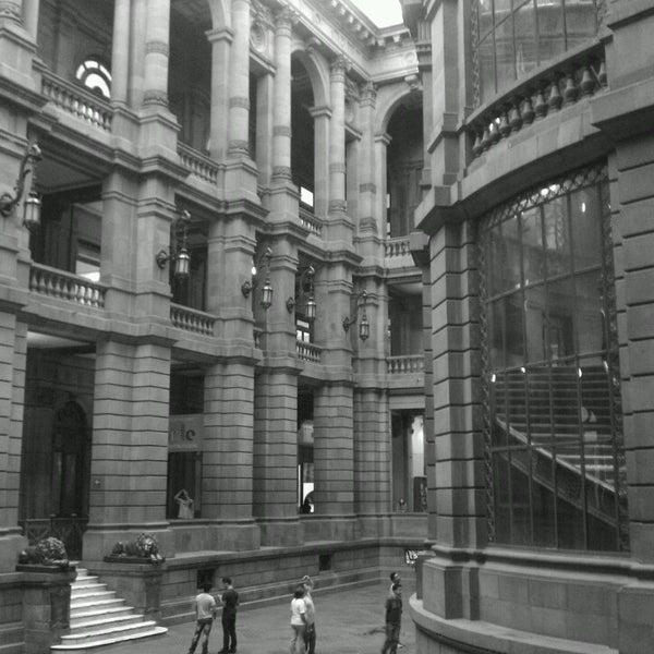 10/13/2013 tarihinde Alberto G.ziyaretçi tarafından Museo Nacional de Arte (MUNAL)'de çekilen fotoğraf