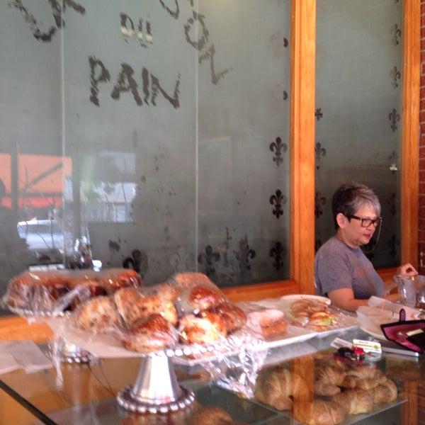 Das Foto wurde bei La Maison Du Pain von Christina M. am 1/22/2014 aufgenommen