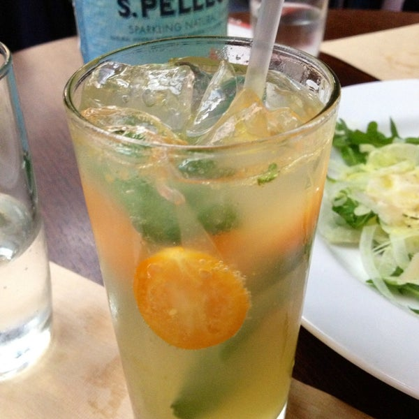 Kumquat Mojito before lunch: best remedy for tired feet after shopping.)