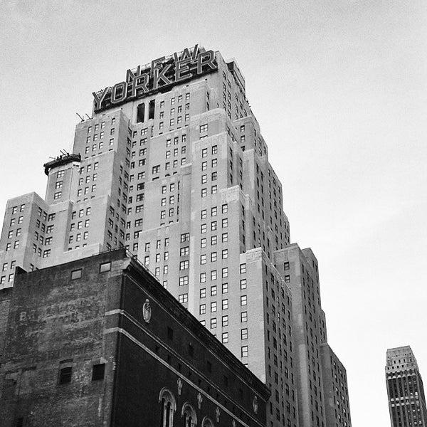 Foto diambil di Wyndham New Yorker oleh Matthew M. pada 9/10/2013