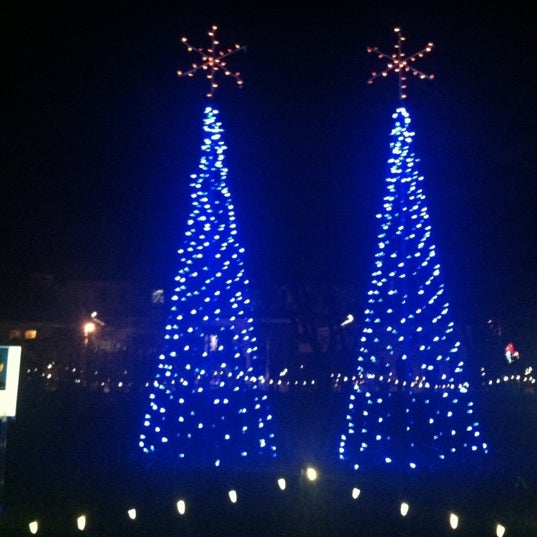 Hopeland Gardens Christmas Lights.Hopeland Gardens 5 Tips