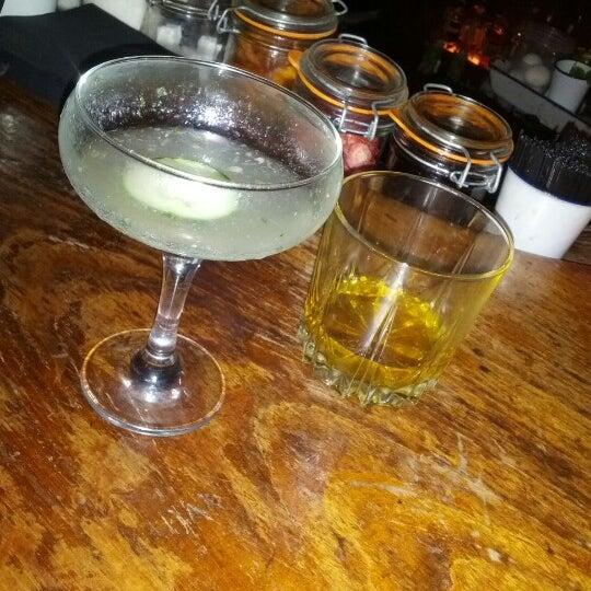 Foto tirada no(a) Oldfield's Liquor Room por ᴡᴡᴡ.Valerian.sexy25.ru F. em 9/23/2012