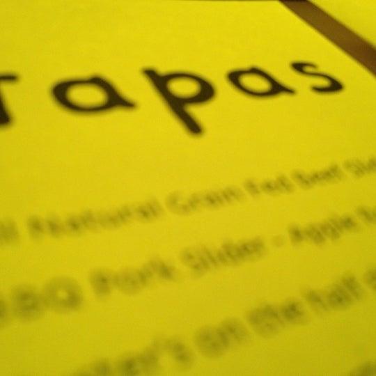 รูปภาพถ่ายที่ Oola Restaurant & Bar โดย Rich V. เมื่อ 1/6/2013