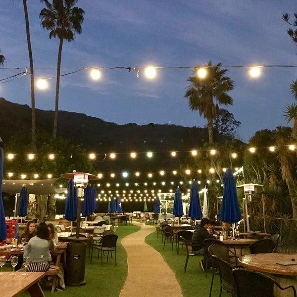 Photo prise au Rosenthal Wine Bar & Patio par Jenny L. le12/27/2017