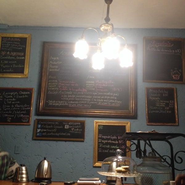 Foto scattata a Café Avellaneda da Jessica il 6/30/2014