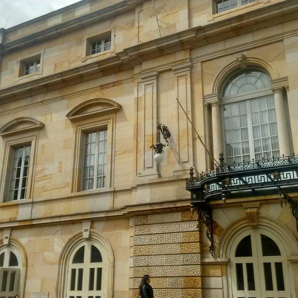 Das Foto wurde bei Teatro Colón von Lú H. am 9/20/2016 aufgenommen