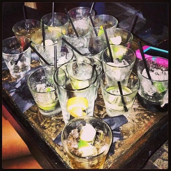 5/25/2013에 DeAndre J.님이 Salvage Bar & Lounge에서 찍은 사진