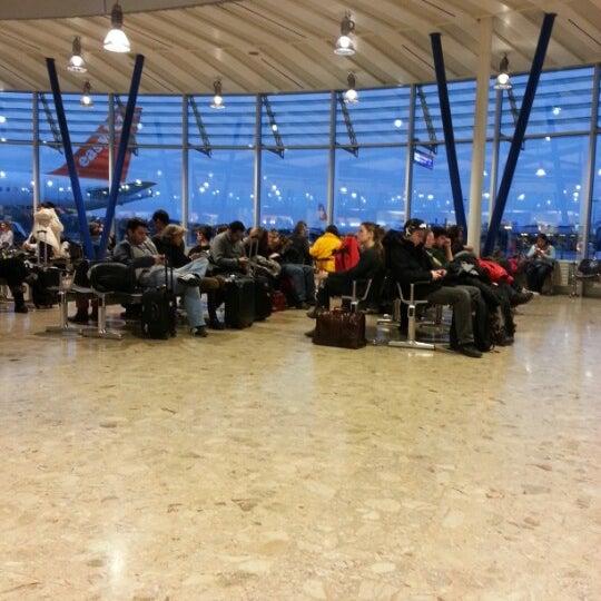Photo prise au Aéroport de Genève Cointrin (GVA) par Diane M. le2/10/2013