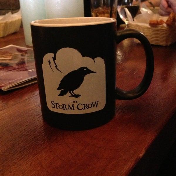 6/4/2013 tarihinde Theo A.ziyaretçi tarafından Storm Crow Tavern'de çekilen fotoğraf
