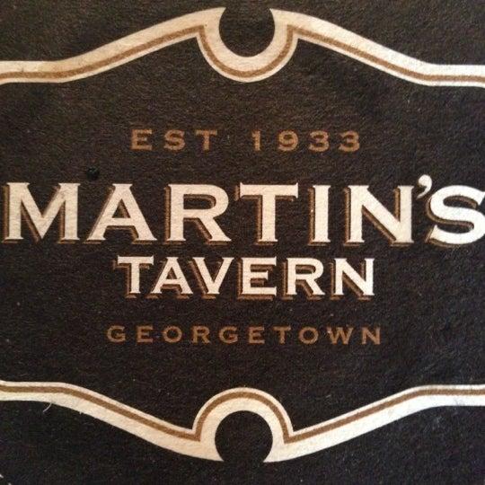 Foto tomada en Martin's Tavern por Ed F. el 11/5/2012