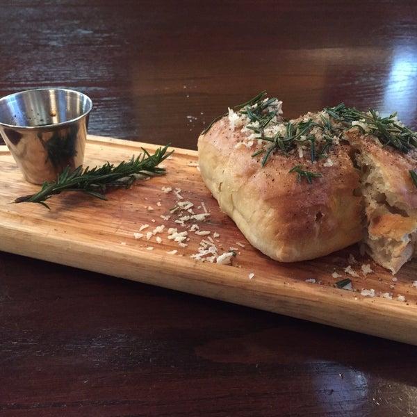 Fave: Rosemary ciabatta, gamberoni, truffle gnocchi, butternut squash risotto