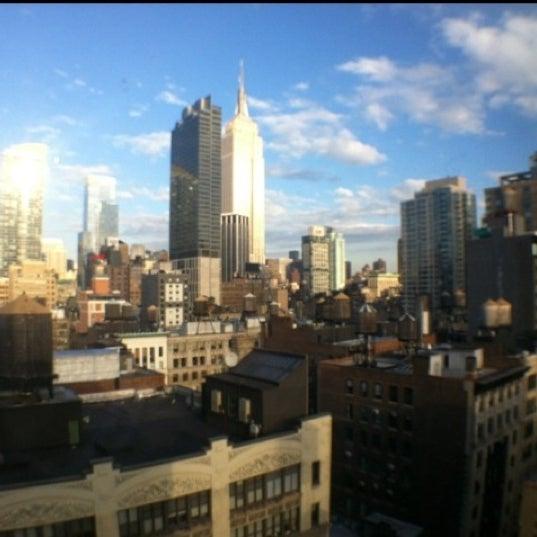 10/5/2012 tarihinde BG K.ziyaretçi tarafından Hilton New York Fashion District'de çekilen fotoğraf