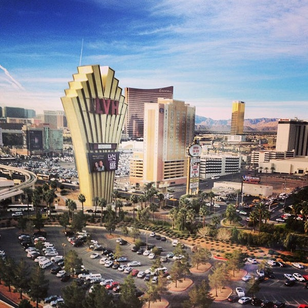 Foto diambil di LVH - Las Vegas Hotel & Casino oleh David B. pada 1/9/2013