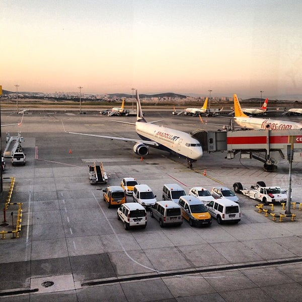 Снимок сделан в Аэропорт Стамбул им. Сабихи Гёкчен (SAW) пользователем Burak B. 7/3/2013