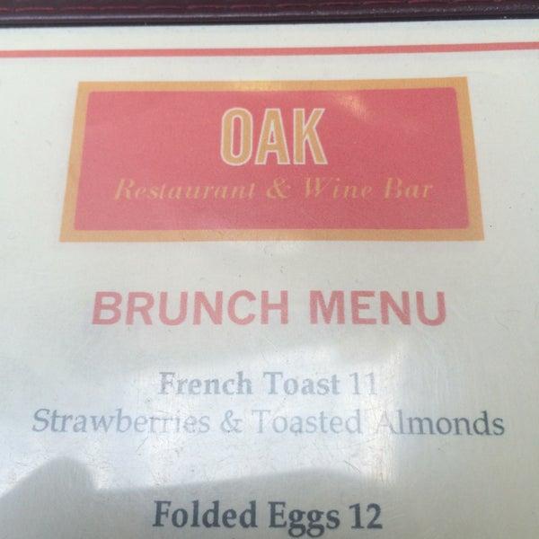 Foto tomada en OAK Restaurant & Wine Bar por Phil C. el 9/11/2016