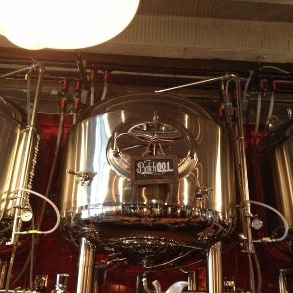 6/14/2013에 Robert G.님이 DryHop Brewers에서 찍은 사진
