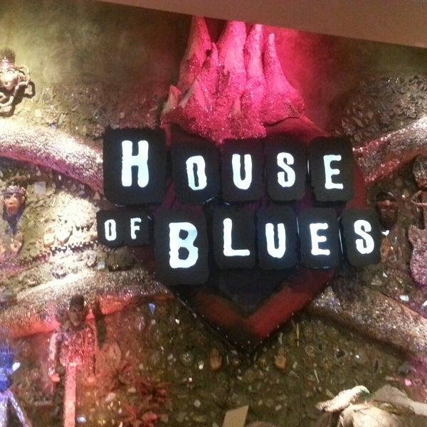 Снимок сделан в House of Blues пользователем Tiffany O. 10/19/2013