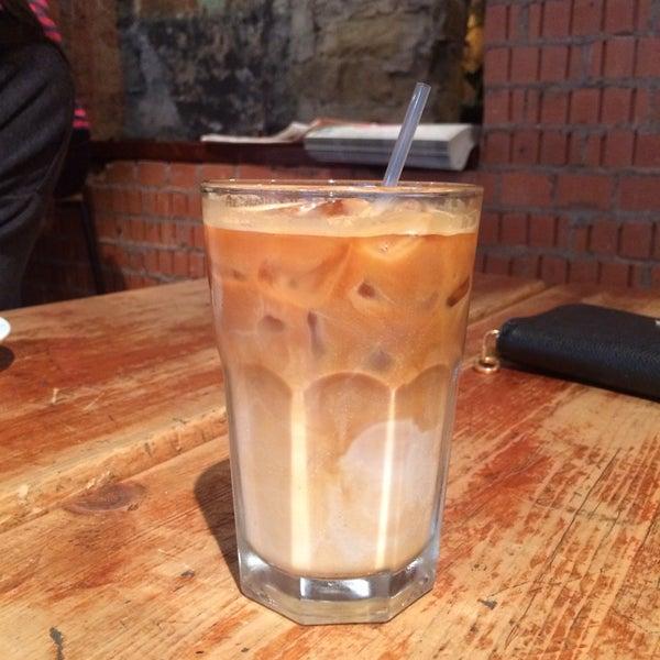 Foto diambil di Brew Lab Coffee oleh Milena pada 7/4/2014