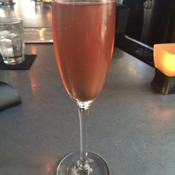 Photo prise au NoPa Kitchen + Bar par Julie B. le7/31/2015