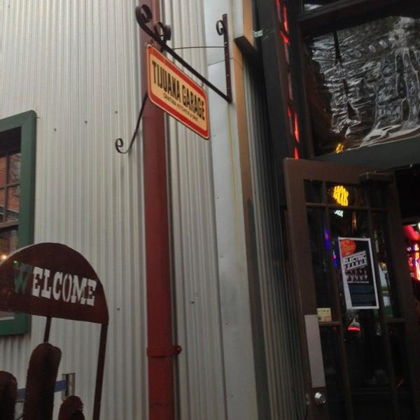 3/9/2013にD N.がTijuana Garageで撮った写真