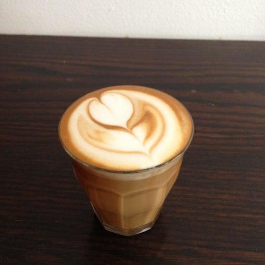 Photo prise au WTF Coffee Lab par Jesse B. le10/8/2012