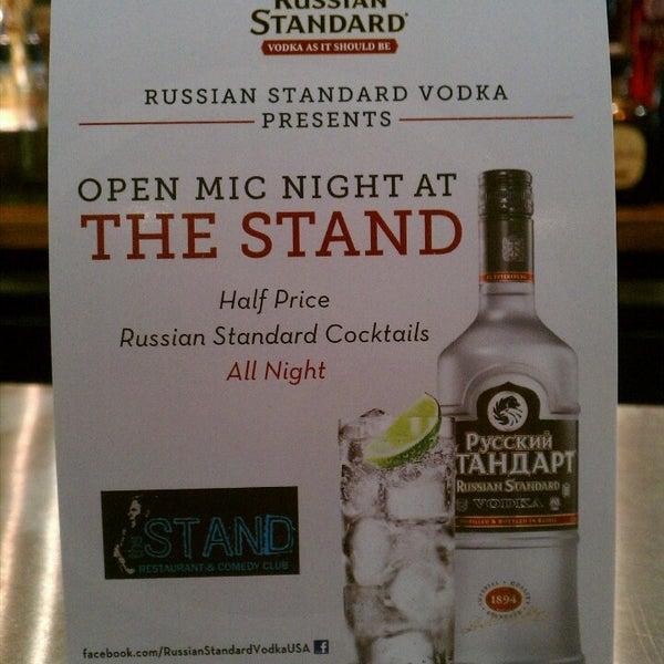 Foto tomada en The Stand Restaurant & Comedy Club por Brian B. el 4/30/2013