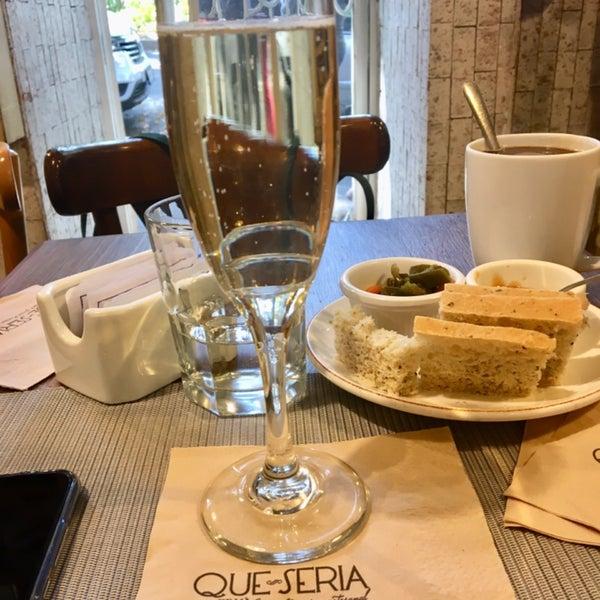 รูปภาพถ่ายที่ Queseria De Mí โดย Karla D. เมื่อ 11/23/2019
