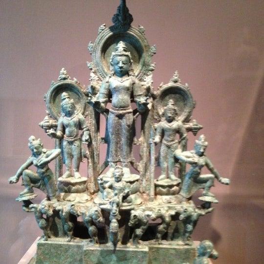 11/4/2012 tarihinde Michael Y.ziyaretçi tarafından Asian Art Museum'de çekilen fotoğraf