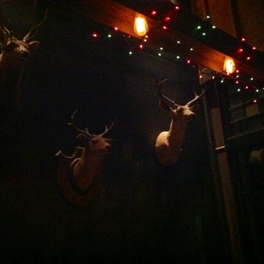 Foto tirada no(a) Bankers Hill Bar & Restaurant por Kelsey D. em 12/15/2012