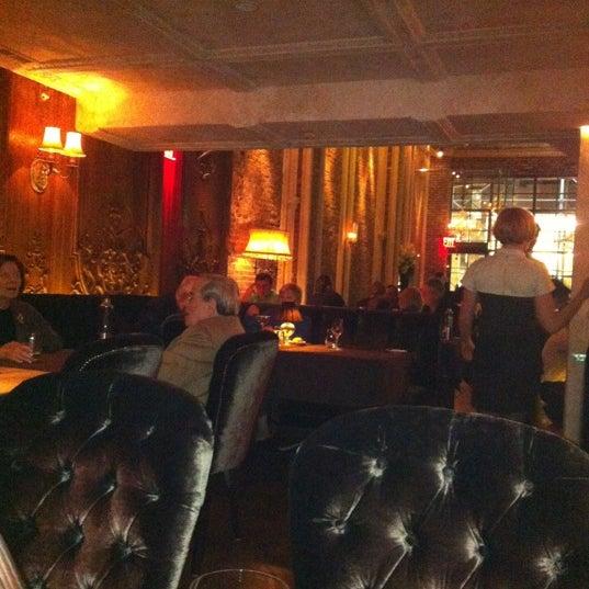 Foto tomada en Brasserie Pushkin por Dmitri M. el 10/14/2012