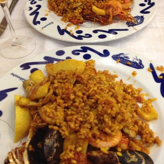 Das Foto wurde bei Restaurante Salamanca von InDOMEstico am 11/2/2012 aufgenommen