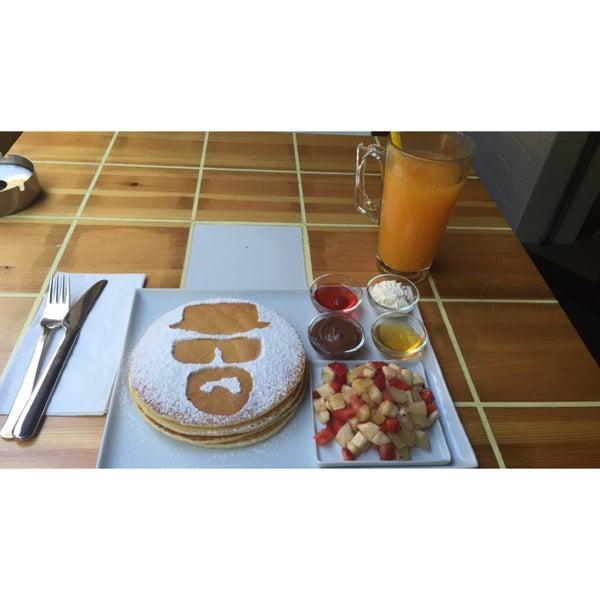 Снимок сделан в Walter's Coffee Roastery пользователем Benan E. 5/26/2015