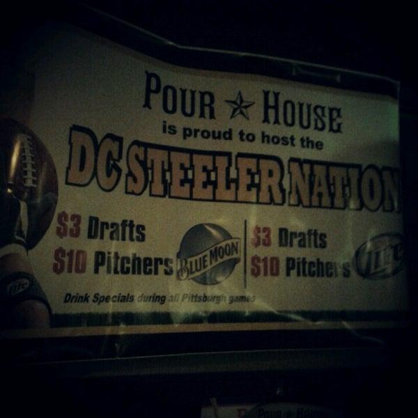 Photo prise au The Pour House par Hannah H. le9/14/2012