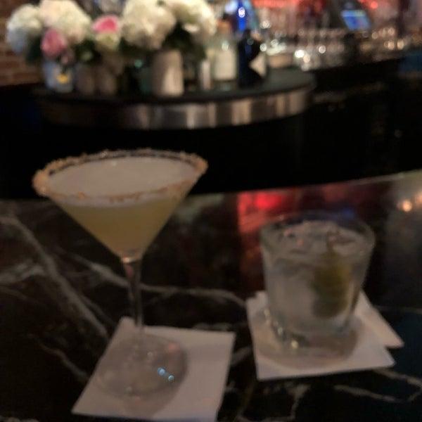 Photo prise au Honu Kitchen And Cocktails par Bruce R. le7/28/2018