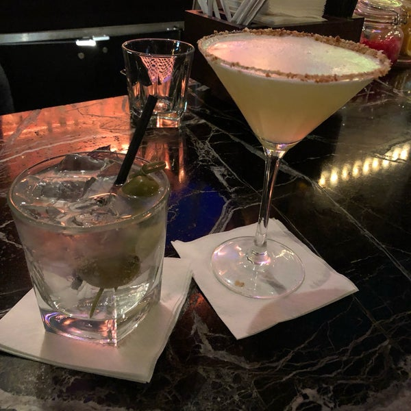 Photo prise au Honu Kitchen And Cocktails par Bruce R. le9/20/2019