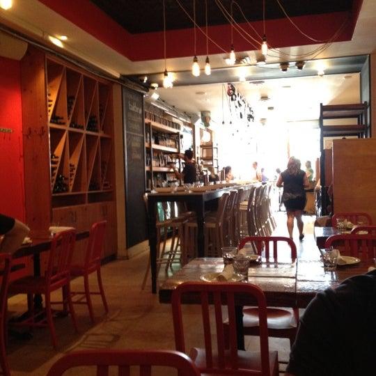 Photo prise au Pizzeria Libretto par Tolga D. le9/4/2012