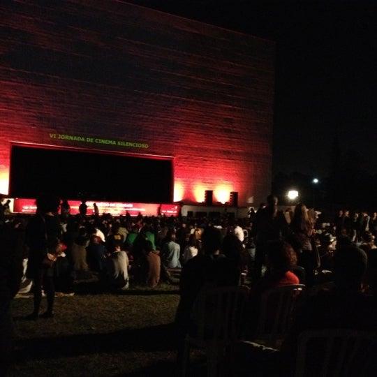 8/19/2012에 Flavia A.님이 Auditório Ibirapuera Oscar Niemeyer에서 찍은 사진