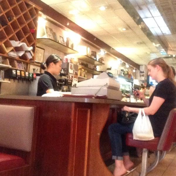 Photo prise au Morning Star Cafe par Gilberto g. le9/6/2014