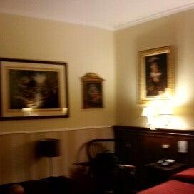 2/26/2013 tarihinde Chris M.ziyaretçi tarafından Hotel Des Artistes'de çekilen fotoğraf