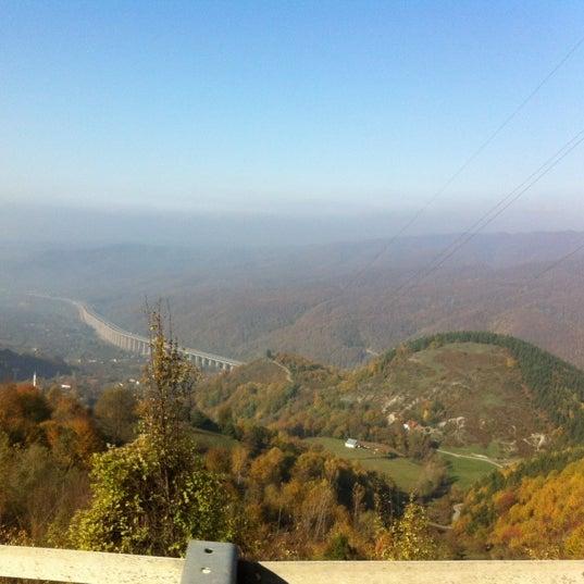 รูปภาพถ่ายที่ Cafer Usta Bolu Dağı Et Mangal โดย Ugur U. เมื่อ 11/21/2012