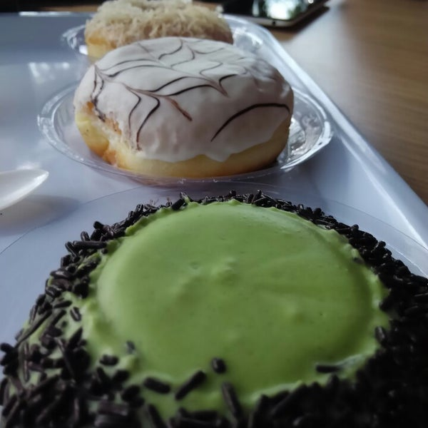 Foto Di King O Donuts And Coffee The First Premium Donuts In Town Banda Aceh Aceh