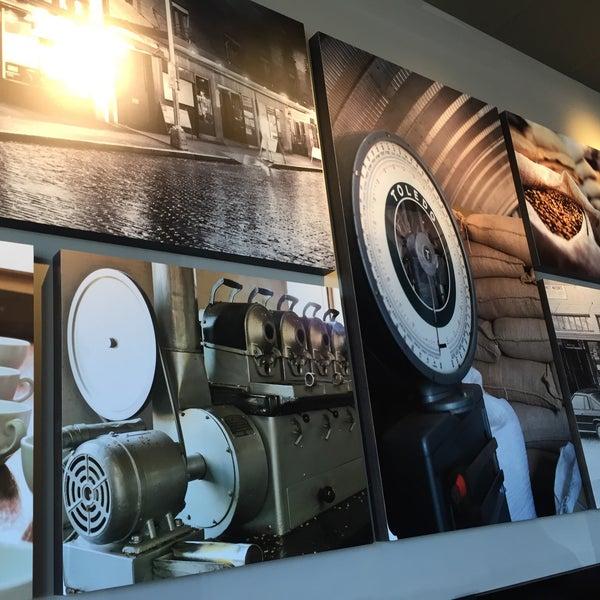 Foto scattata a Starbucks da Wahid M. il 3/26/2016