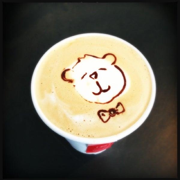 Das Foto wurde bei Elite Audio Coffee Bar von Jono S. am 1/26/2013 aufgenommen