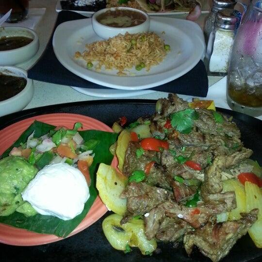 Foto scattata a Cantina Laredo da Bryan M. il 11/23/2012