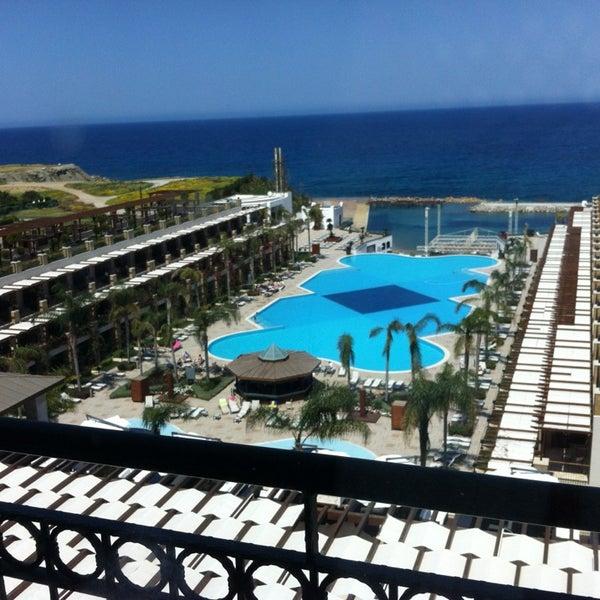 รูปภาพถ่ายที่ Cratos Premium Hotel & Casino โดย Deniz T. เมื่อ 4/5/2013