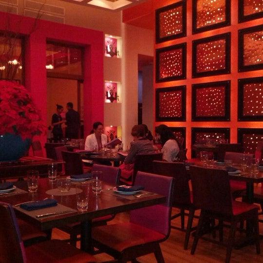 Foto tirada no(a) Rosa Mexicano Panamá por Diego Q. em 12/2/2012
